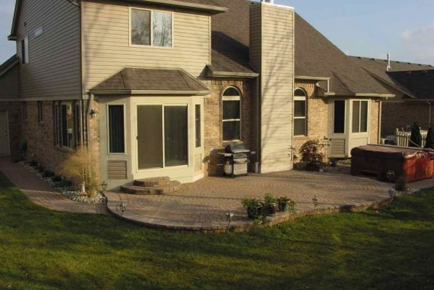 Venetian Circle Patio Laurentian-692x447